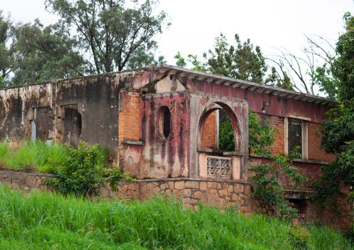Old ruined portuguese colonial villa, Huambo Province, Huambo, Angola