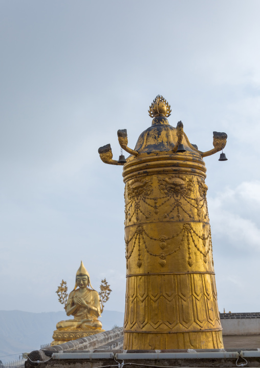 Golden roof of Shachong monastery, Qinghai Province, Wayaotai, China