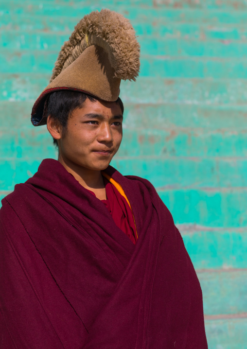 Tibetan monk from yellow hat sect in Bongya monastery, Qinghai province, Mosele, China