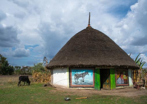 Ethiopia, Kembata, Alaba Kuito, painted house of alaba people