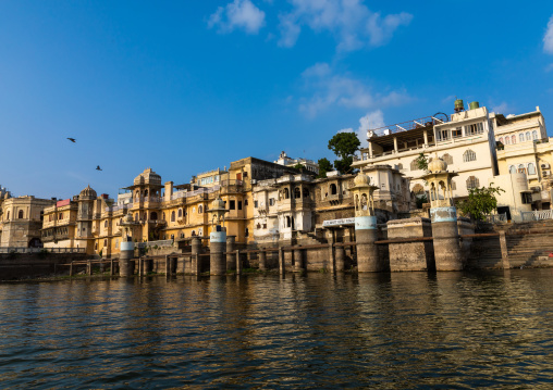 Houses on lake Pichola, Rajasthan, Udaipur, India
