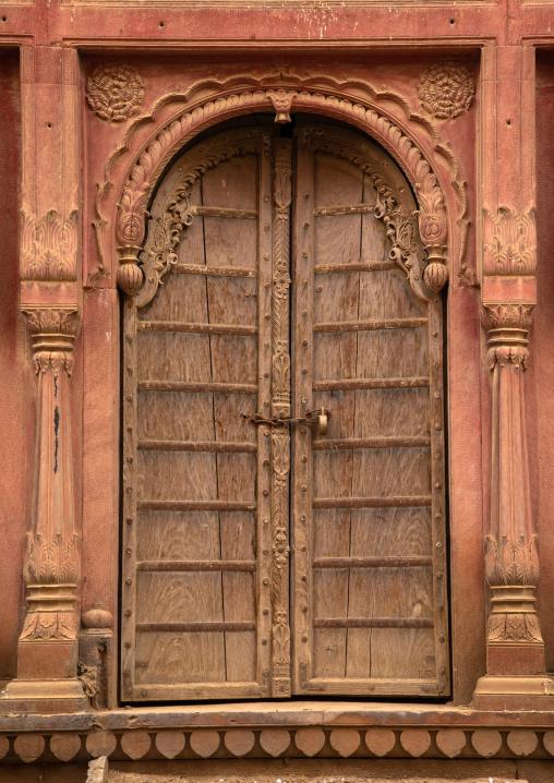 Beautiful wodden door of a haveli in the old city, Rajasthan, Bikaner, India