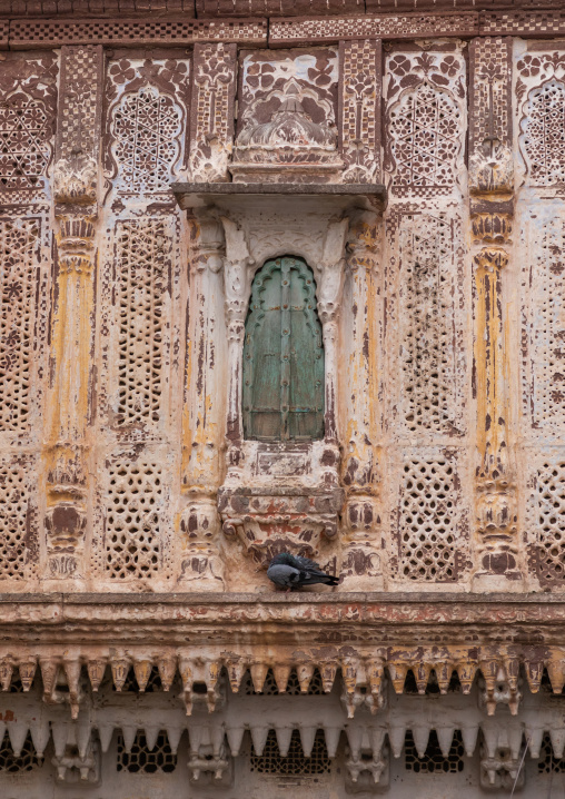 Old carved balcony of a haveli, Rajasthan, Jodhpur, India