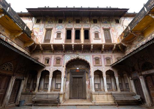 Old historic haveli, Rajasthan, Nawalgarh, India
