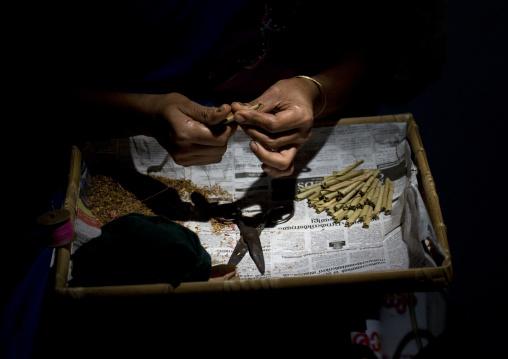Beedies Cigarettes Making, Thalassery, India