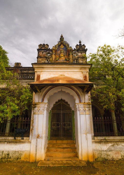 Gateway Of An Hold Past Mansion, Kanadukathan Chettinad, India