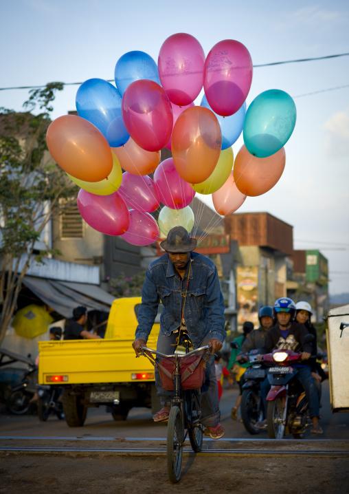Balloons seller, Java island indonesia