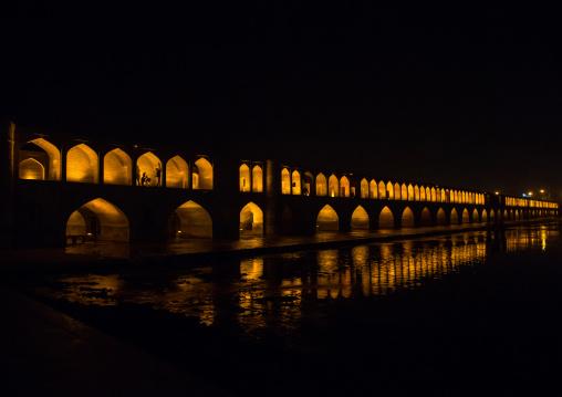 a view of the si-o-seh bridge at night highlighting the 33 arches, Isfahan Province, isfahan, Iran