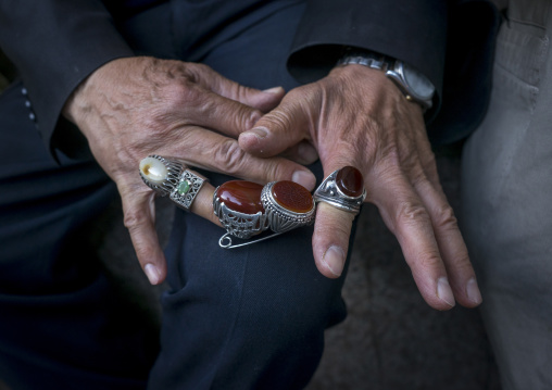 Man selling rings in tajrish bazaar, Shemiranat county, Tehran, Iran