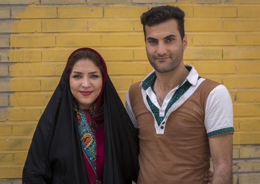 Smiling iranian couple, Isfahan province, Isfahan, Iran