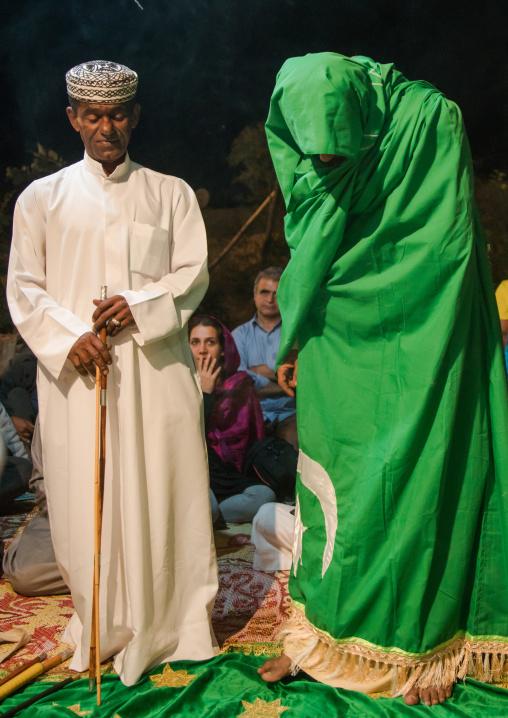 man praying during a zar ceremony, Qeshm Island, Salakh, Iran