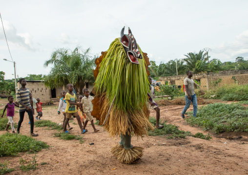 Goli sacred mask in Baule tribe arriving in a ceremony, Région des Lacs, Bomizanbo, Ivory Coast