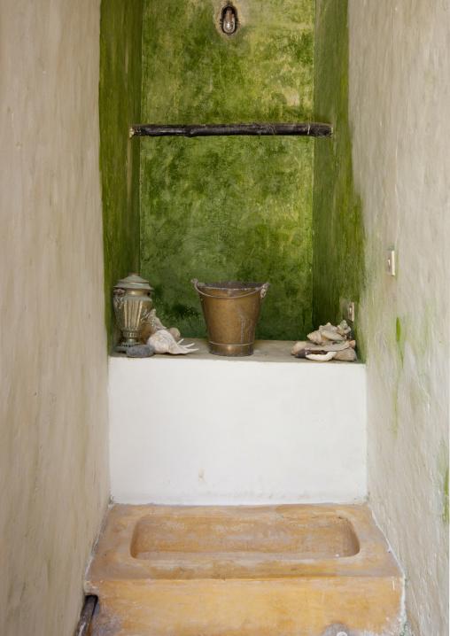 A well in typical manda island house, Lamu, Kenya