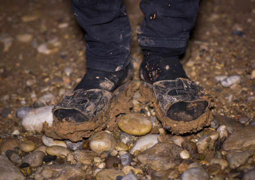 Yezedi Refugee From Sinjar Living In The Mud, Duhok, Kurdistan, Iraq