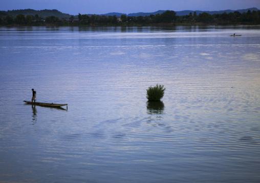Fisherman on mekong river, Don khong island