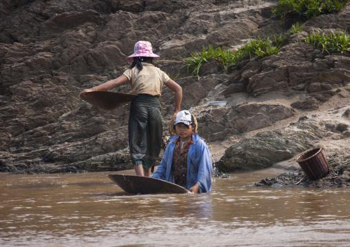 Gold panning, Houei xay, Laos