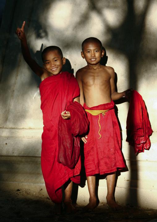Novices Buddhist Monks, Bagan, Myanmar