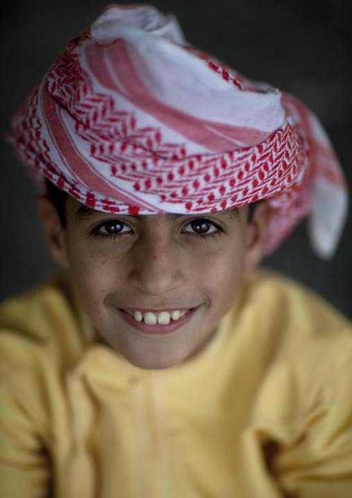 Smiling Omani Kid Wearing Turban, Sinaw, Oman