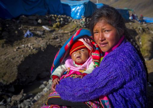Peruvian Mother And Baby, Qoyllur Riti Festival, Ocongate Cuzco, Peru