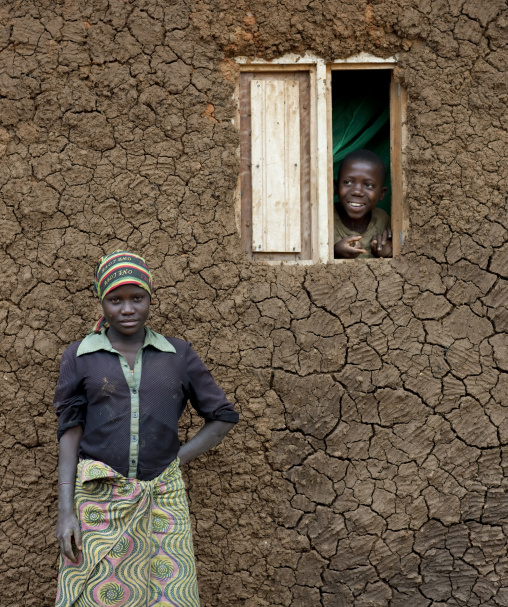Batwa tribe in cyamudongo village - rwanda - eric lafforgue