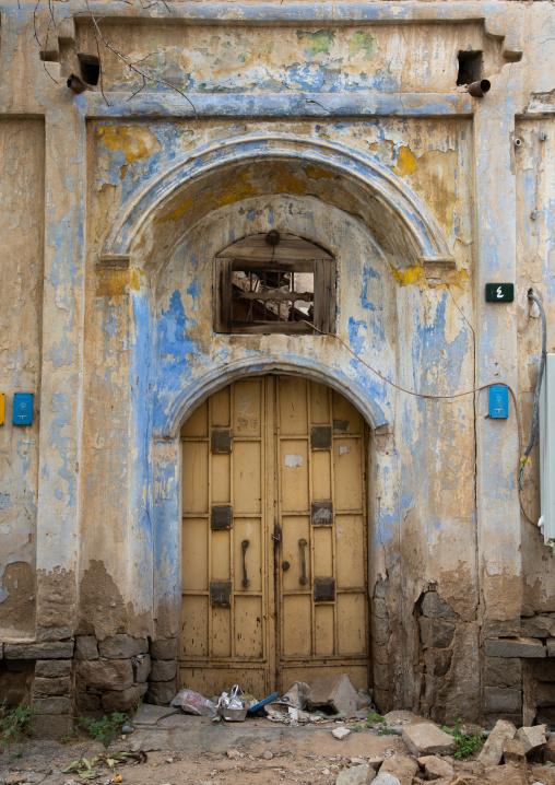 Metallic door of an old house, Mecca province, Taïf, Saudi Arabia
