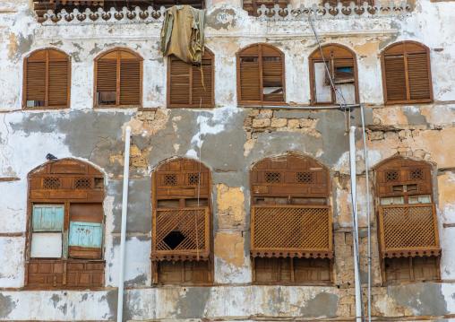 Old house with wooden mashrabiya in al-Balad quarter, Mecca province, Jeddah, Saudi Arabia