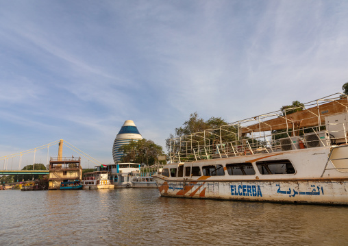 Cruise boats in front of corinthia hotel on river Nile, Khartoum State, Khartoum, Sudan