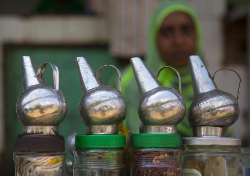 Sudan, Khartoum State, Omdurman, coffee seller in the market