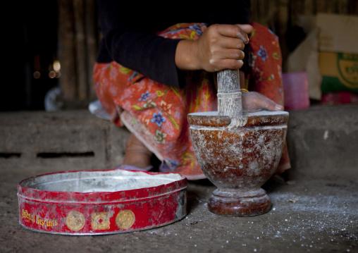 Food preparation in karen tribe, Thailand