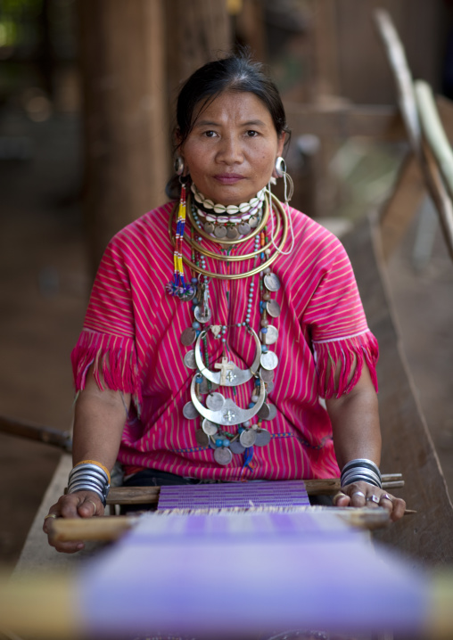 Kor yor tribe woman, Nam peang din village, North thailand