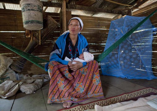 Karen tribe mother and baby, Mae hong son, Thailand
