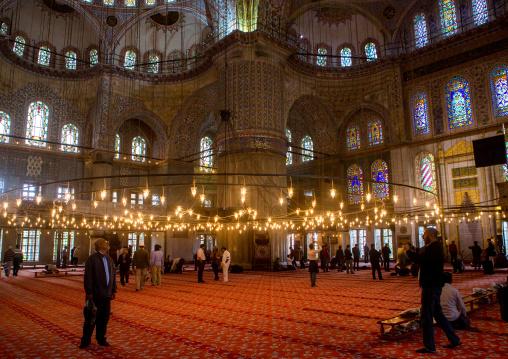 Inside the Blue mosque sultan Ahmet Camii, Sultanahmet, istanbul, Turkey
