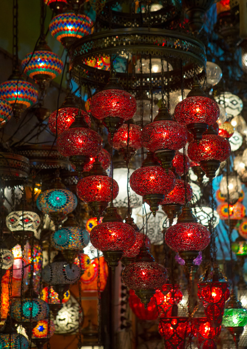Glass lantern stall in the grand bazaar, Beyazit, istanbul, Turkey