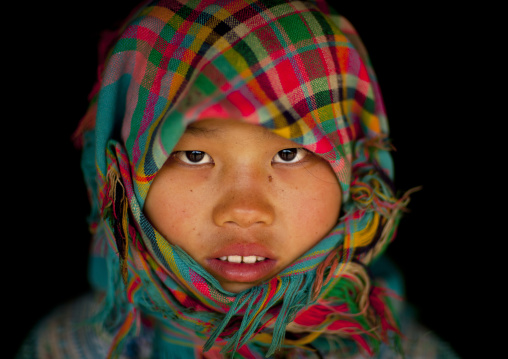 Veiled flower hmong teenage girl, Sapa, Vietnam