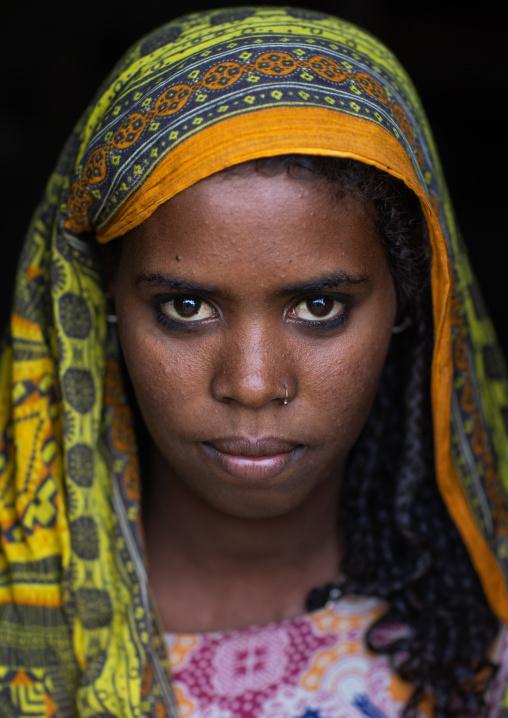 Portait of an afar tribe teenage girl, Afar Region, Afambo, Ethiopia