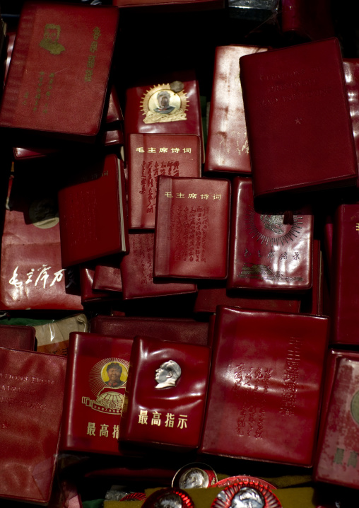 Mao Little Red Books At Panjiayuan Antique Market, South Chaoyang. Beijing, China