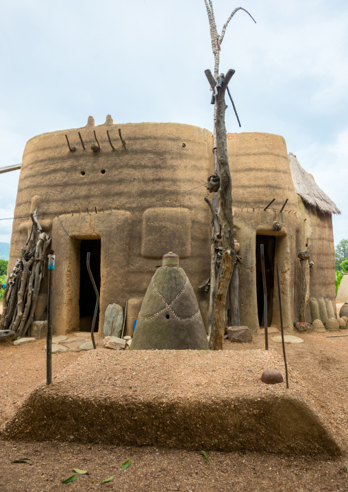 Benin, West Africa, Boukoumbé, voodoo altars in front of a traditional tata somba house