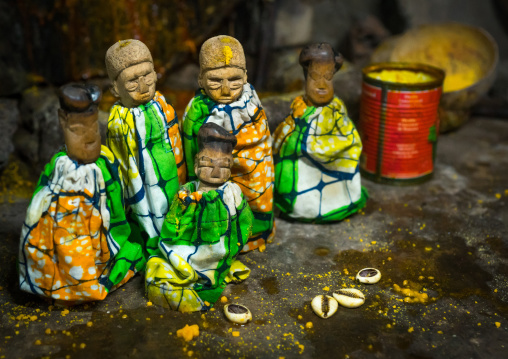 Benin, West Africa, Bopa, miss ablossi uses cauris shells to communicate with her five dead twins