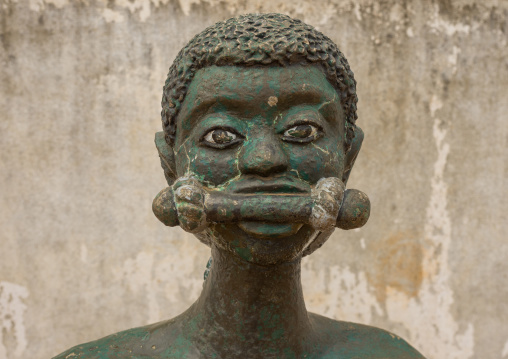 Benin, West Africa, Ouidah, slave statue on the slave trail