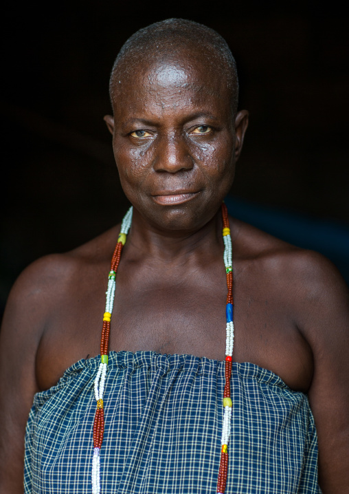 Benin, West Africa, Savalou, a priestess from the voodoo covent of the royal palace