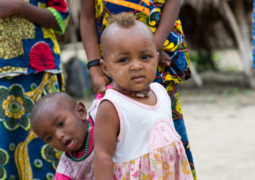 Benin, West Africa, Savalou, fulani peul tribe little girl