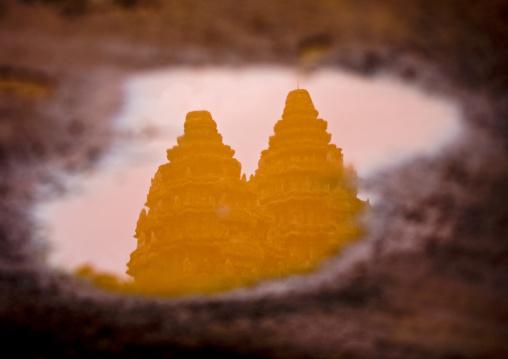 Angkor wat reflection, Siem Reap Province, Angkor, Cambodia