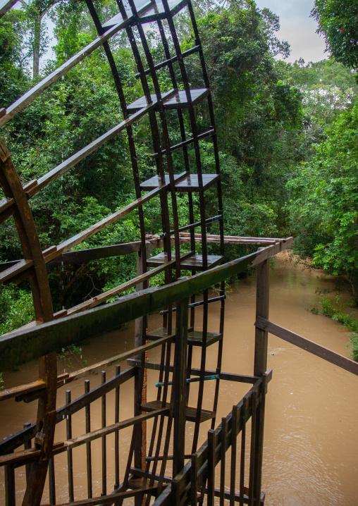 Siem reap river with water wheel to irrigate fields, Siem Reap Province, Wat Po, Cambodia