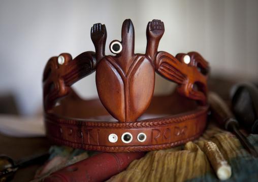 Tapati Queen Crown Made By Luis Tomas Pate Riroroko , Easter Island, Hango Roa, Chile