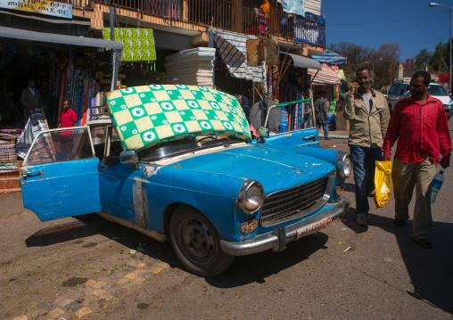 Old peugeot 404 taxi, Harari region, Harar, Ethiopia