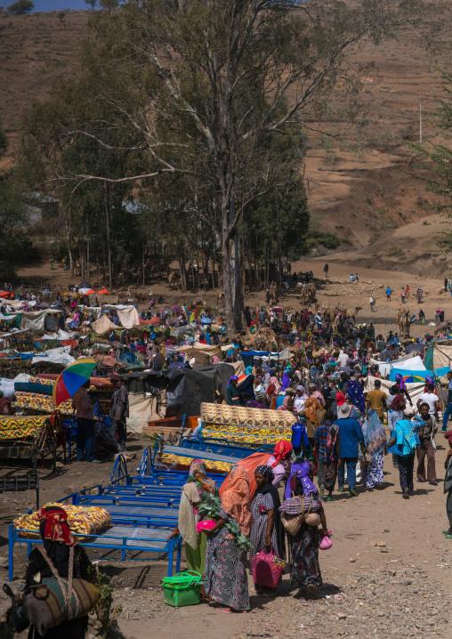 Crowded and busy market, Oromo, Sambate, Ethiopia