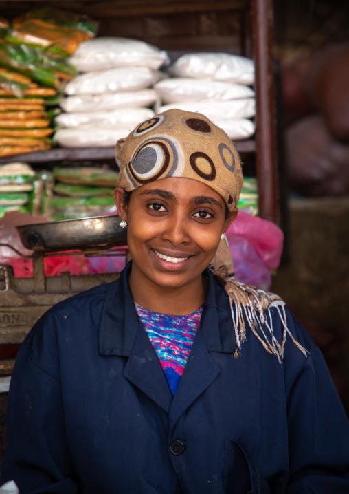 Ethiopian woman seller in the market, Harari region, Harar, Ethiopia
