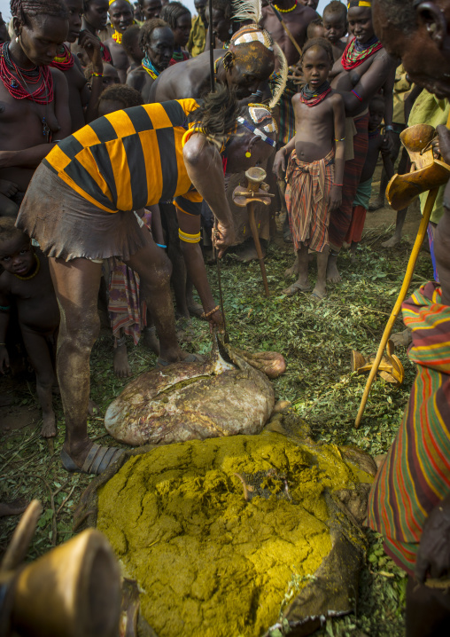 Dassanech Tribe People Putting Cow Dungs On Their Bodies For A Ceremony, Omorate, Omo Valley, Ethiopia