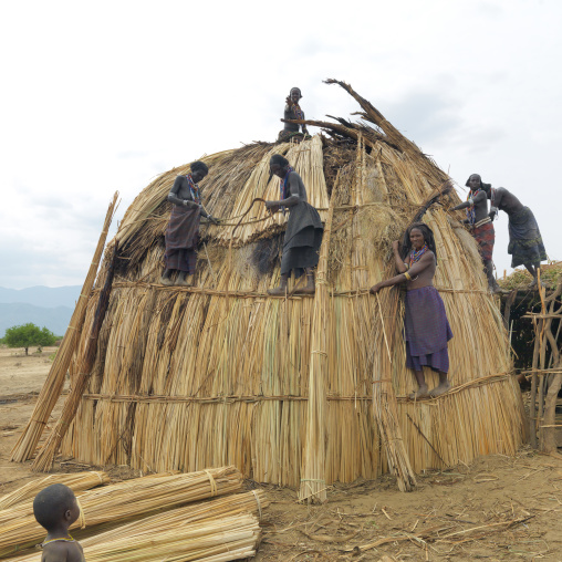 Erbore Tribe Women Building A Thatch Hut, Omo Valley, Ethiopia