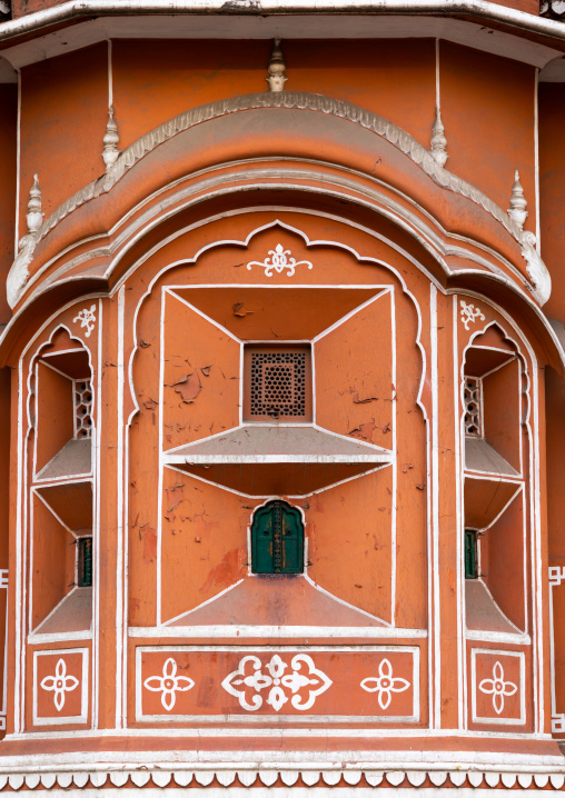 Window of the hawa mahal the palace of winds, Rajasthan, Jaipur, India